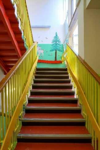 vymalované schodiště 1
